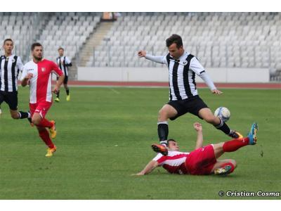 """Descătușare și calificare. """"U"""" Cluj – Sticla Arieșul Turda 5-1"""