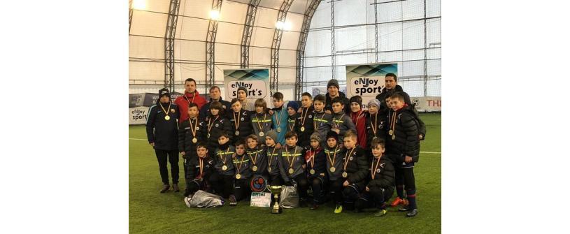 """Juniorii Academiei """"U""""-Luceafărul s-au întors cu medaliile de aur de sub Tâmpa"""