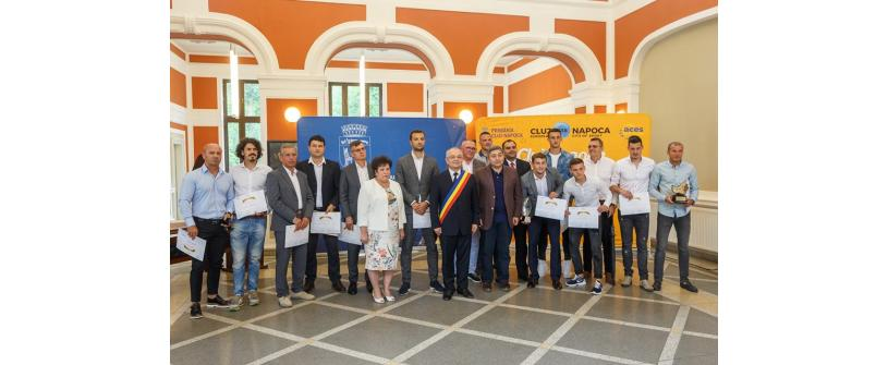 FC Universitatea Cluj, premiată pentru promovarea în Liga 2