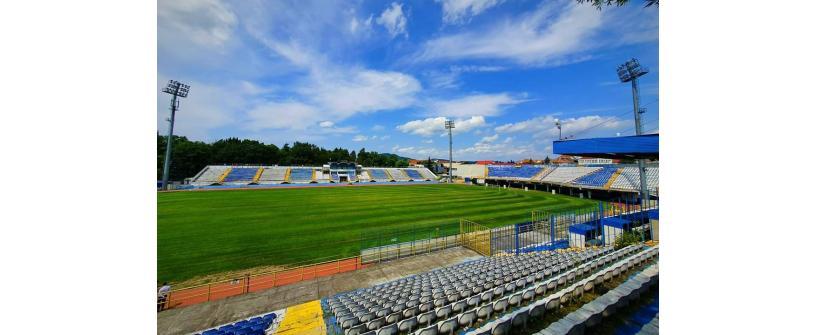 """UPDATE. Accesul în stadion limitat la 30% din capacitate pentru """"U"""" vs Viitorul Pandurii și intrare pe baza Certificatului Verde COVID-19."""