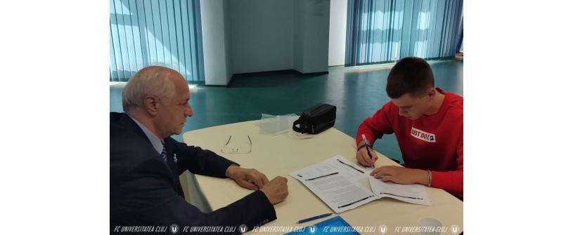 Andrei Vînău face pasul spre prima echipă a Universității Cluj