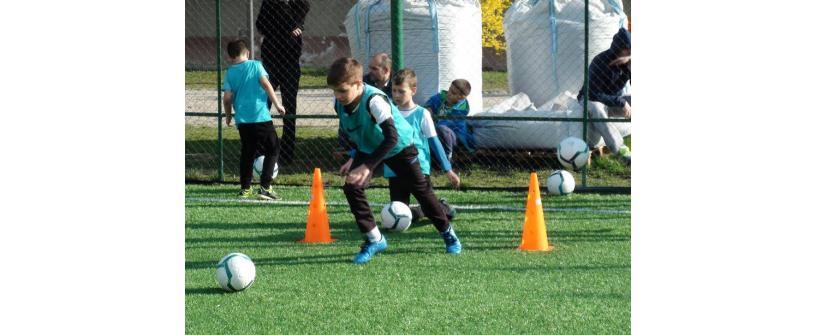 Privim spre viitor. FC Universitatea Cluj organizează selecție pentru copiii între 6 și 14 ani