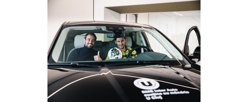Fotbaliştii Universităţii au testat experienţa 4X4 la volanul Land Rover