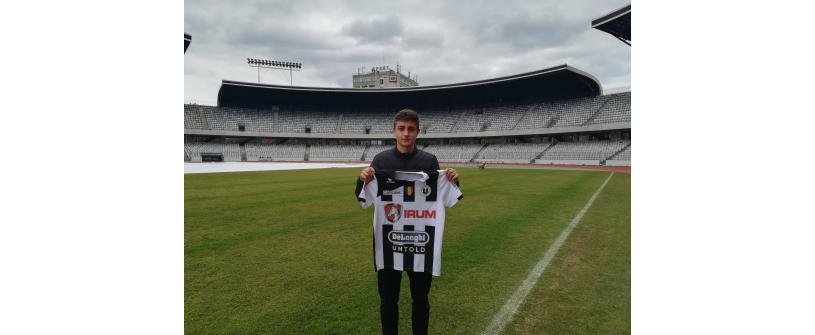"""""""Internaționalul"""" U18 Victor Dican a semnat cu """"U""""!"""